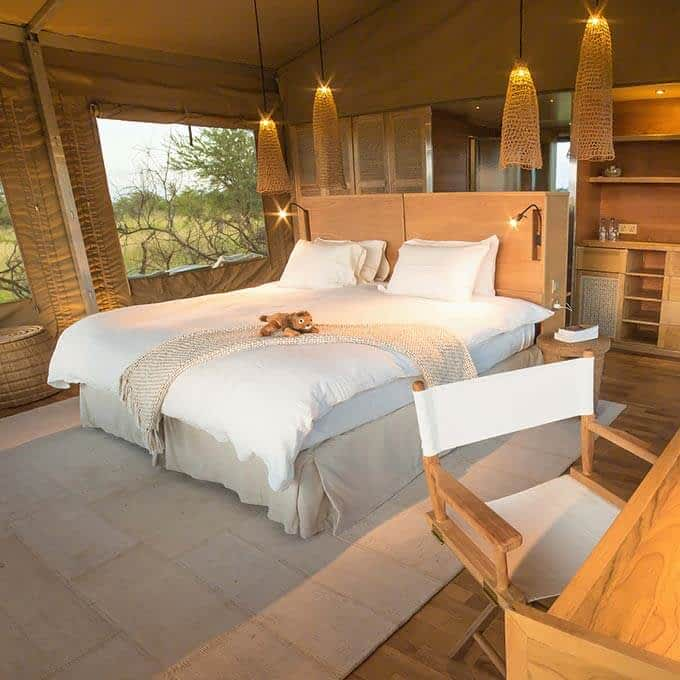 Luxury room in Serengeti National Park at Roving Bushtops