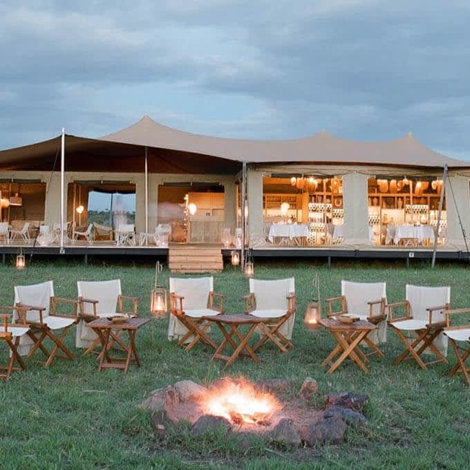 Stay at the upscale mobile camp Roving Bushtops in the Serengeti